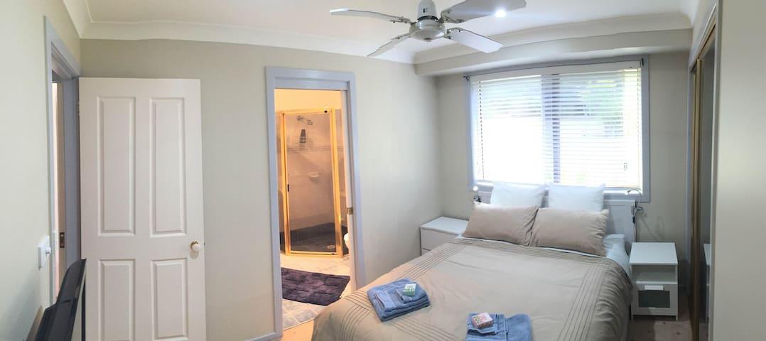 Mollymook Magic En-suite Room - Mollymook Beach - Bed & Breakfast
