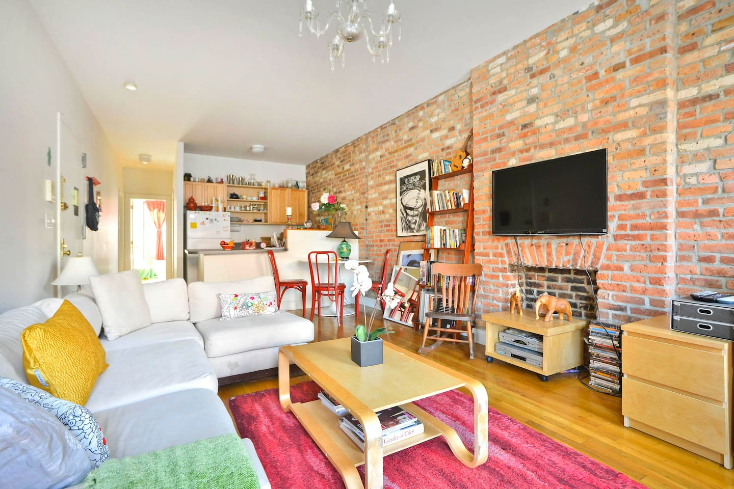 """Beautuful light filled large open loft style space w charming brownstone walk and fireplace. 42"""" Sony new Flatscreen HDTV."""