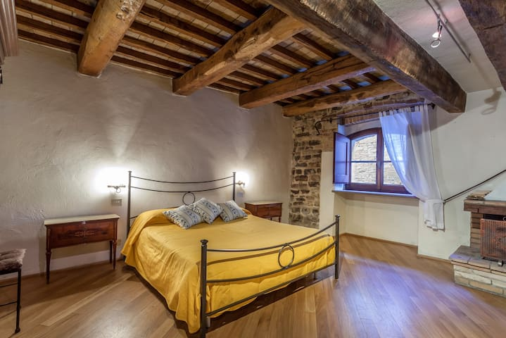 "Suite Torre del Colle - ""Caminetto"" - Bevagna - Appartement"