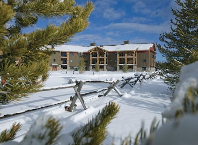 West Yellowstone Resort Studio Free WiFi! - West Yellowstone - Villa