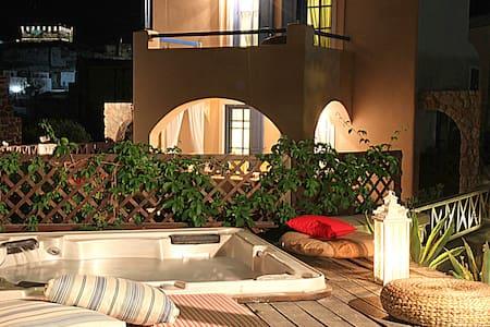 Villa Athena Private Jacuzzi  - Akrotiri