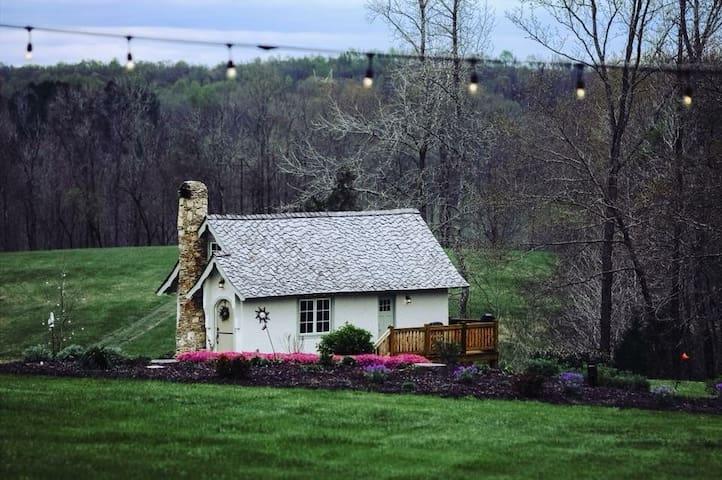 Hansel & Gretel Fairytale Cottage