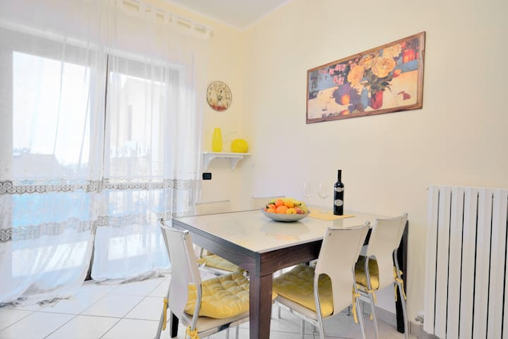 Modern apartment close to the sea - Vibo Valentia Marina - Apartamento