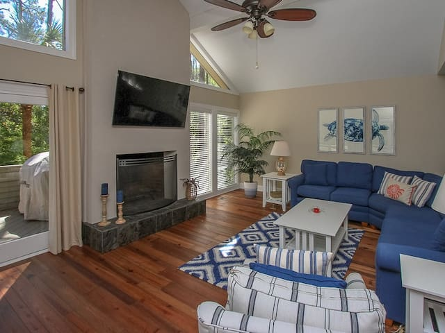 Living Room with Flat Screen TV at 9 Bald Eagle West
