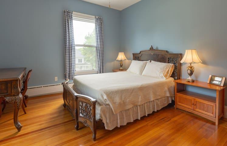 White Oak Villa - Provincial Room
