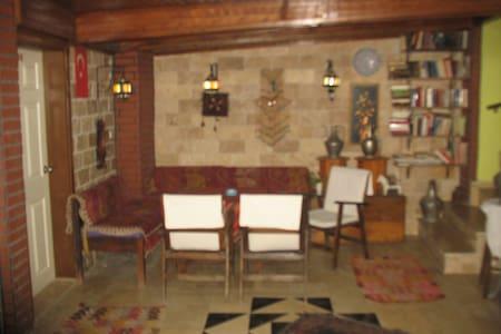 single room in old town - Antalya - Bed & Breakfast
