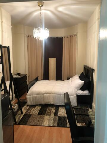 ELEGANT PRIVATE 1 BED ROOM ONLY 20 MIN. FROM NYC!