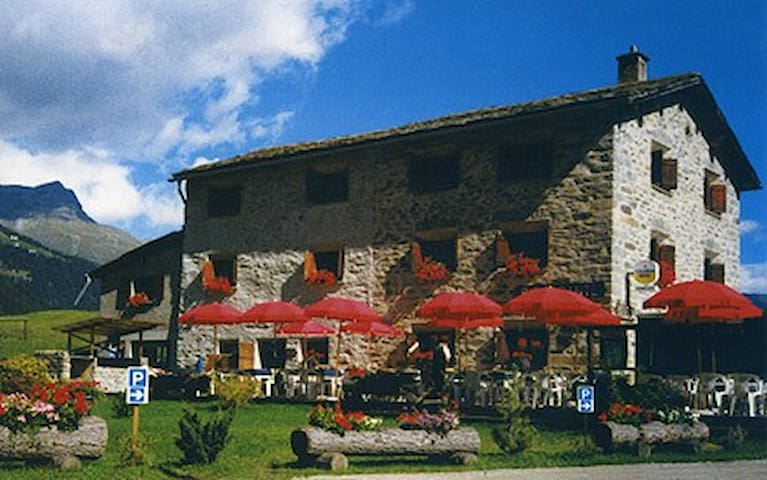Un sogno sulle Alpi Svizzere - Poschiavo