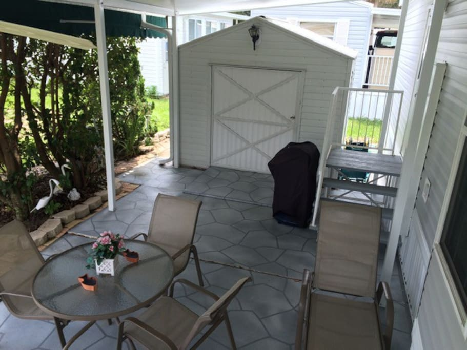 Patio - with ceiling fan