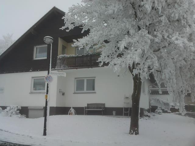 "Haus am Berg FeWo ""Glockenblume"""