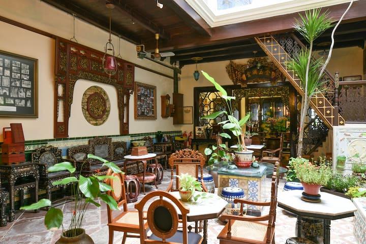 Garden Courtyard at 5 Heeren Melaka