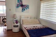 4BR 2 mins drive from Stilts/Aquaria Resort