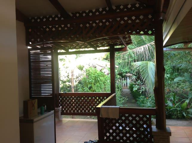 Un instante en el paraíso Carrillo, ríos y playa