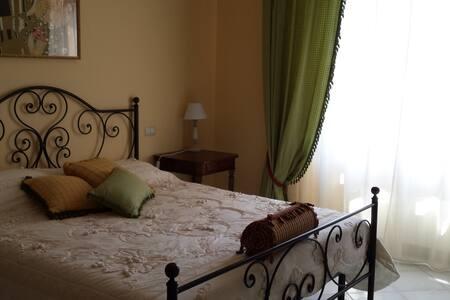 Villa Rafael - Poggio dei Pini - 家庭式旅館