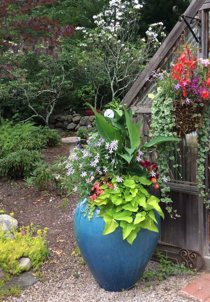 Great Gardens Near the Beaches!