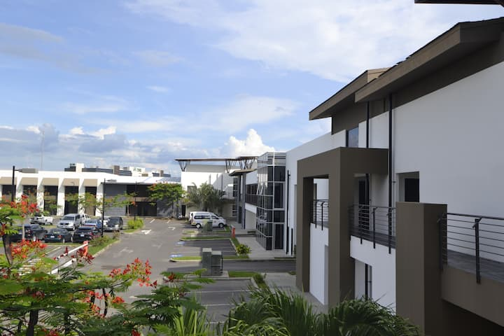 Large apartment in front of Liberia Airport