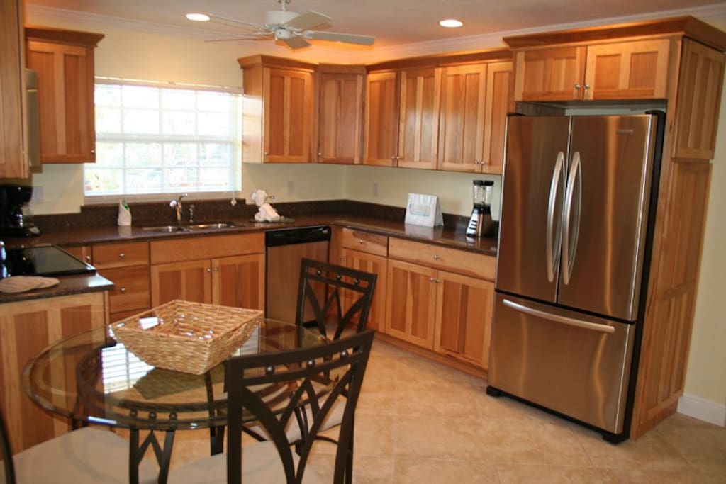 New upgraded kitchen with full size appliances.