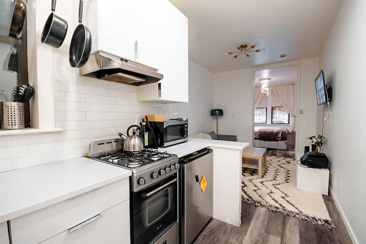 modern & cozy 1 bedroom in downtown NYC