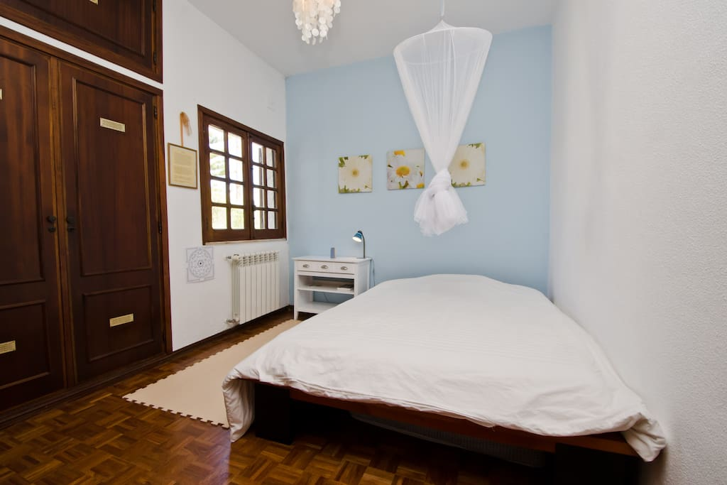 Welcome! This is your room. 1,60 m bed, comfortable memory foam mattress. Perfect for a couple.