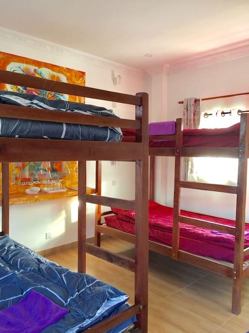 bedroom bed dormitory floor - girl