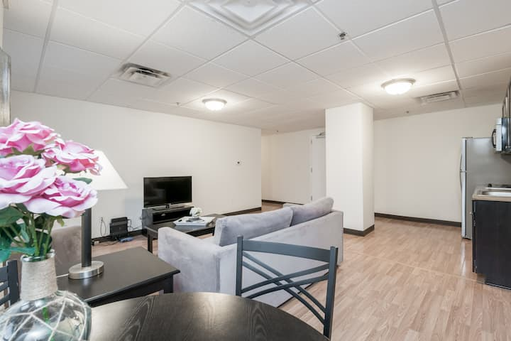 Luxury Condo @ Fincastle - Downtown Lou 602