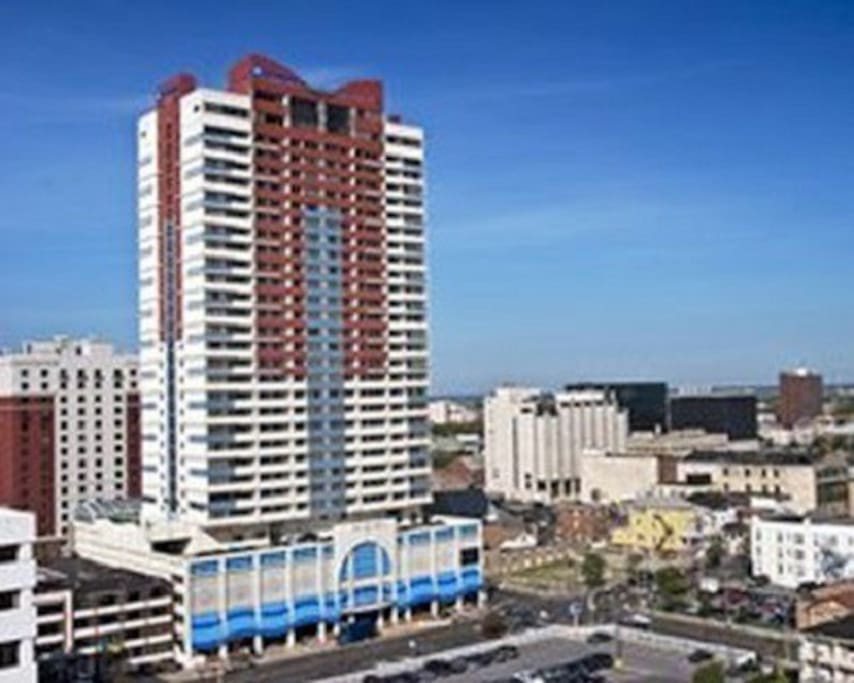 Wyndham skyline tower 1 bedroom apartments for rent in for Trump tower jersey city rentals