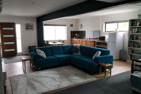 Goldfields Studio Apartment- Beaconsfield-Tasmania