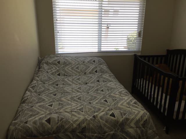 Room in Central Location in San Diego