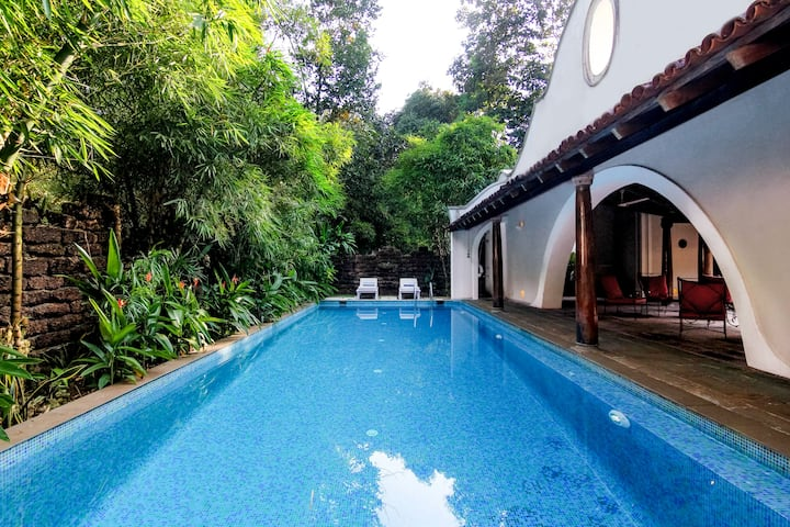 2 B/ROOM LUXURY VILLA W PRIVATE POOL