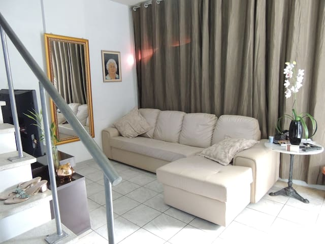 Apartamento duplex no foco do galo