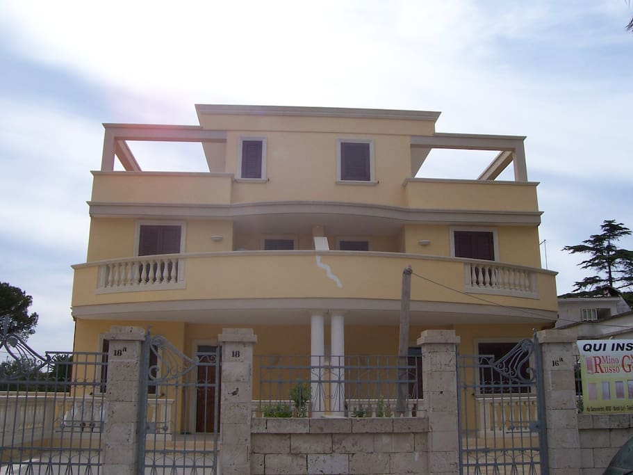 Southern italy salento villa rent houses for rent in for Rent a home in italy