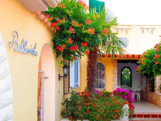 Cozy 8BD villa with  outdoor jacuzi - Banjole - Villa