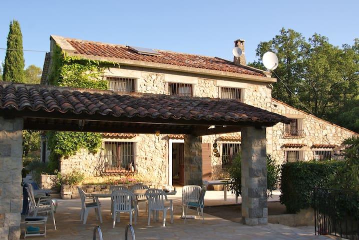 Le Vieux Mas - Saint-Paul-en-Forêt - Huis