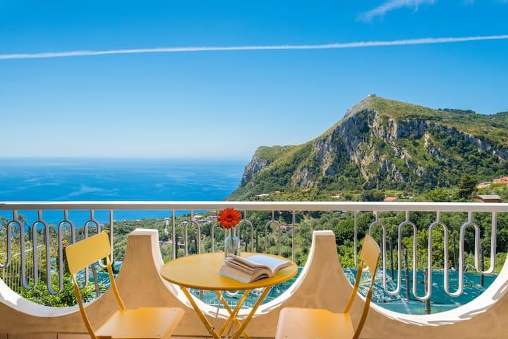 Breathtaking views of the Bay of Nerano & Monte San Costanzo