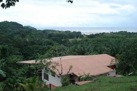 Jungle lodge on Costa Rica coast - Playa Coyote - Hus