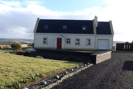 3 bedroom house near Cliffs of Moher walkway - Liscannor - Casa