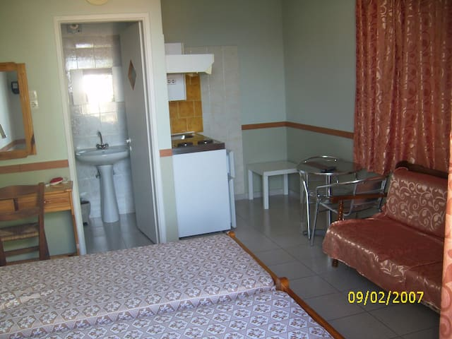 velonas rooms chios greece - Vrontados - Huoneisto