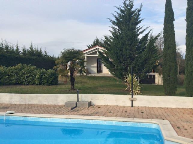maison avec piscine et un jacuzzi   - Cahors - Casa