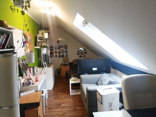 Gemütliche Maisonnettenwohnung Zimmer(OG) einer WG