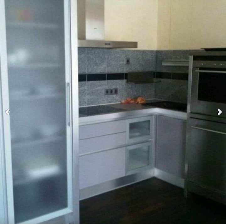 Vollmöbliertes 33 m² Business Apartment mit Küche.