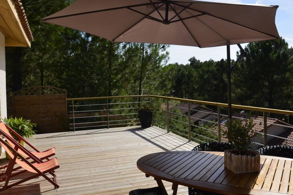 grande terrasse 40 m2 exposée sud sud/ouest