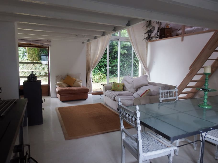 beaulieu barn charente france in beaulieu sur sonnette poitou charentes frankreich. Black Bedroom Furniture Sets. Home Design Ideas