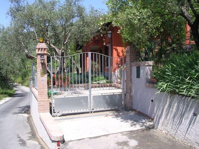 Villetta singola con giardino priv. - Castelnuovo magra - House