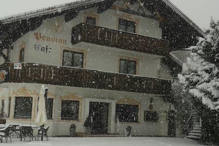 Restaurant - Pension - Lift - Halblech - Pousada