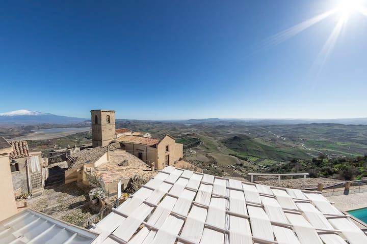 Case al Borgo-Home Relais - Casa Gesualdo Bufalino