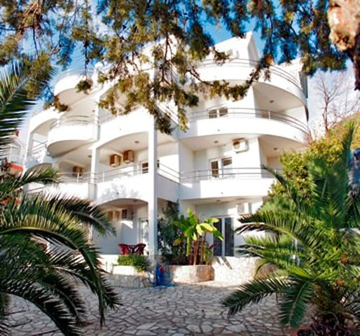 2-3 persons Studio with sea view - Herceg - Novi - Villa
