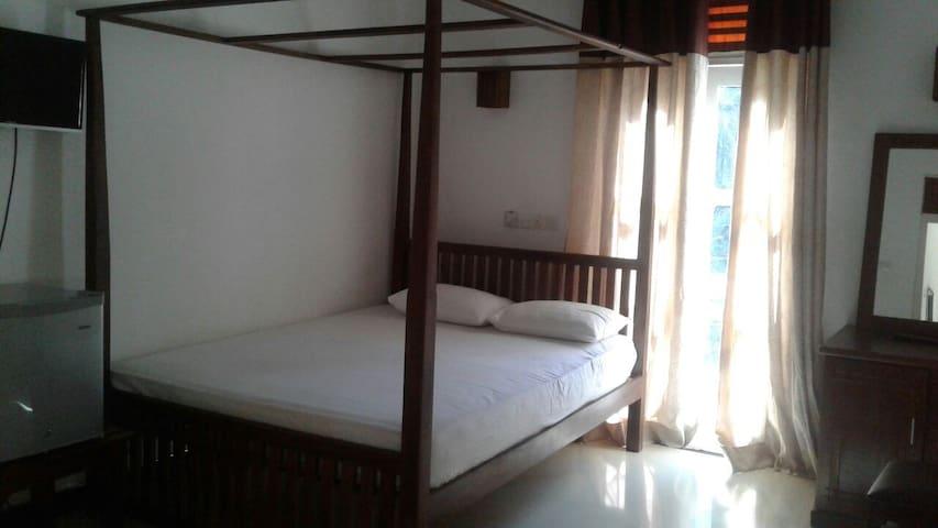 King and Queen in Yala room - Hambantota - Bed & Breakfast
