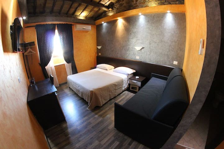 appartamento per tante persone - Roma - House