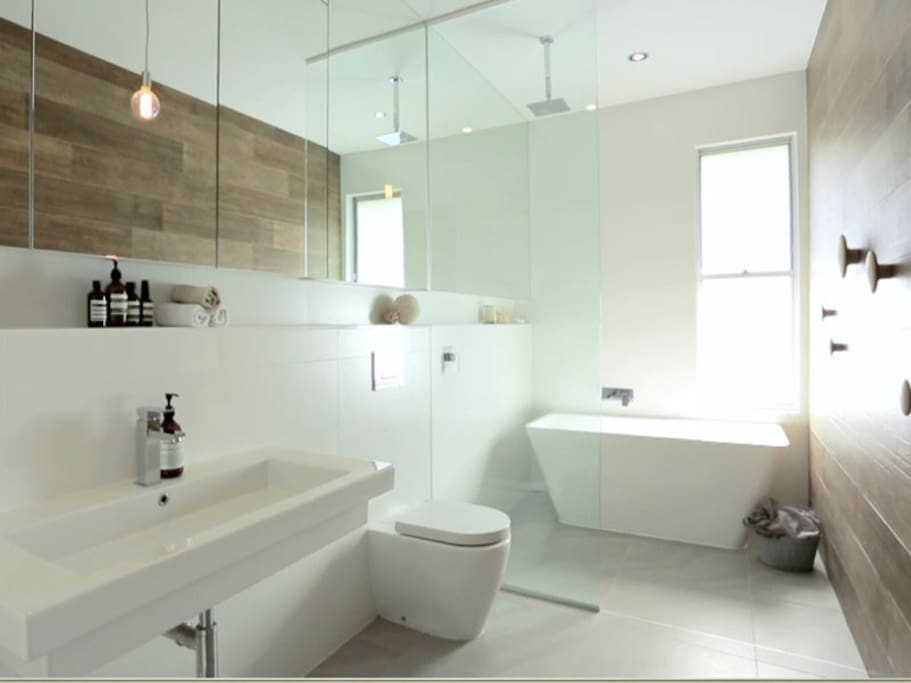 Beautifully appointed bathroom.
