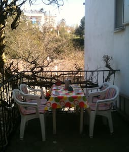 maison dans und village - Cenne-Monestiés